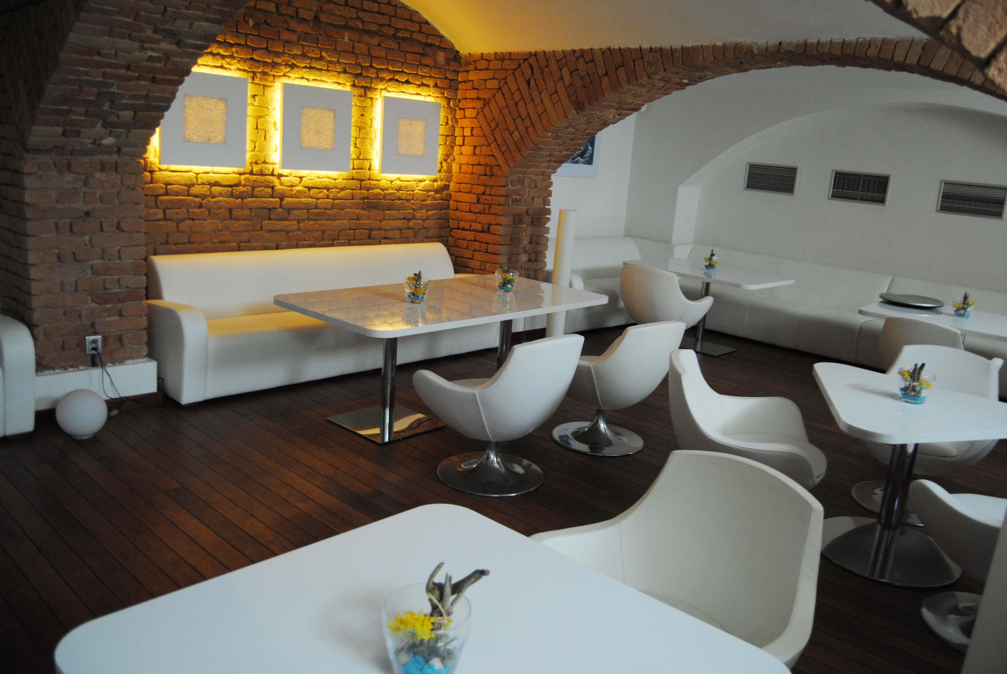Dekorování Café Yacht, Brno