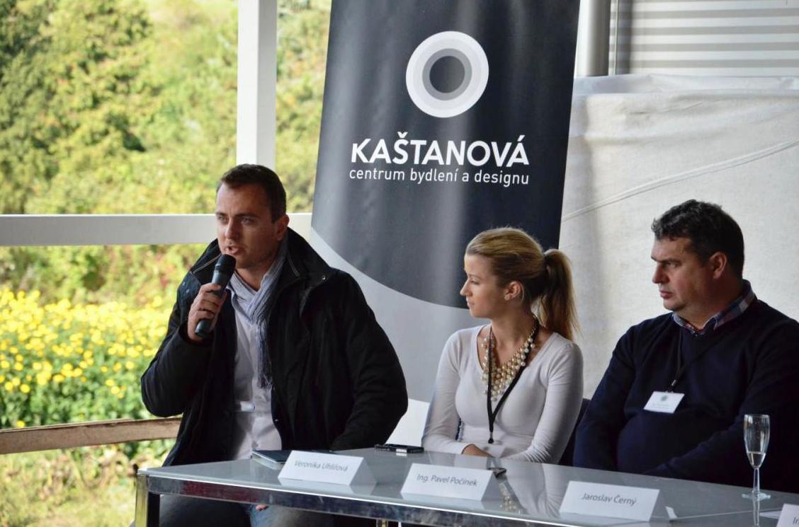 Tisková konference k chystanému projektu designového centra Kaštovaná, promlouvám k naší účasti na projektu
